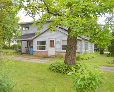 Photo of W882 White Oak Dr, East Troy, WI 53120