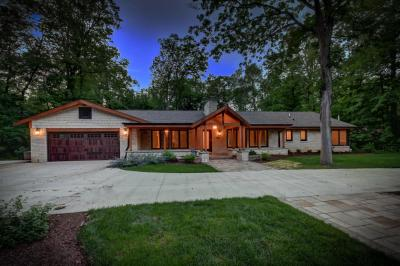 Photo of 1404 E Dean Rd, Fox Point, WI 53217