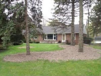 Photo of 5156 S Froemming Dr, Hales Corners, WI 53130