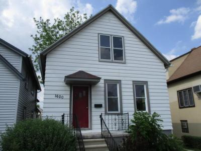 Photo of 1620 Manitoba Ave, South Milwaukee, WI 53172