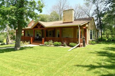 Photo of 10670 S 60th St, Franklin, WI 53132