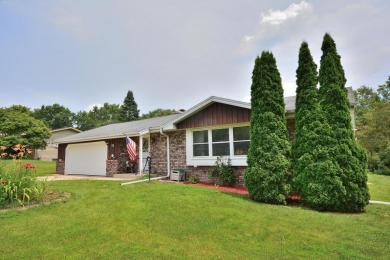 4680 Lincrest Dr, Brookfield, WI 53045