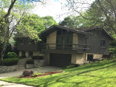 Photo of 107 Westminster Dr, Waukesha, WI 53186
