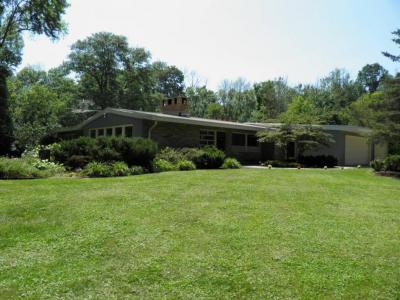 Photo of 198 Green Bay Rd, Cedarburg, WI 53012