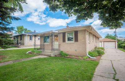 Photo of 4628 S Ahmedi Ave, St Francis, WI 53235