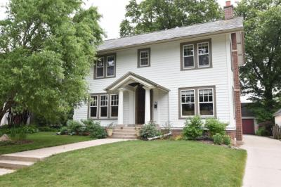Photo of 3920 N Stowell Ave, Shorewood, WI 53211