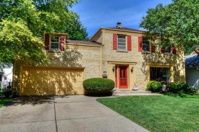 Photo of 2627 N 94th St., Wauwatosa, WI 53226