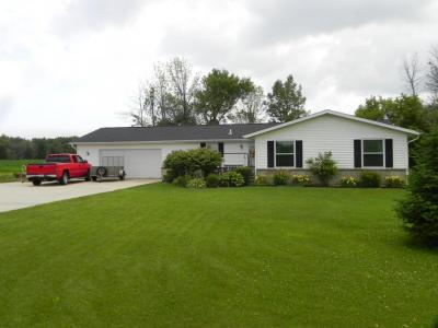 Photo of 1939 Center Rd, Saukville, WI 53080