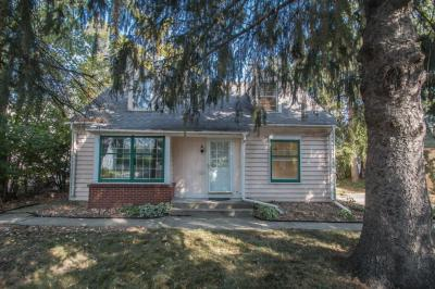 Photo of 206 Elm St, Thiensville, WI 53092