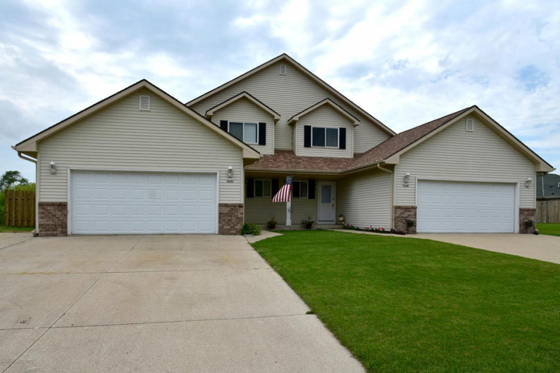 514 Foxmead Xing, Waterford, WI 53185
