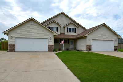 Photo of 514 Foxmead Xing, Waterford, WI 53185