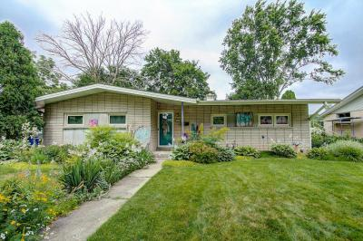 Photo of 5309 Middleton Dr, Greendale, WI 53129