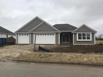 Photo of 1712 Crestwood Rd, West Bend, WI 53095