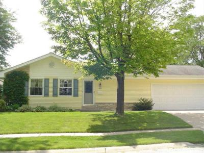 Photo of 4949 Steeple Dr., Greendale, WI 53129
