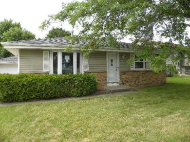 865 Lois Ct, Hartford, WI 53027