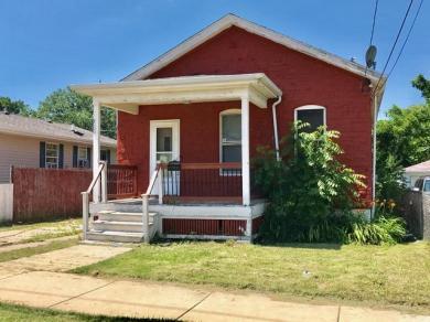 1030 Harbridge Ave, Racine, WI 53403