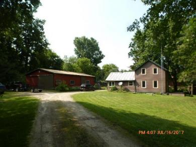 N8565 County Road Tt, Holland, WI 54636