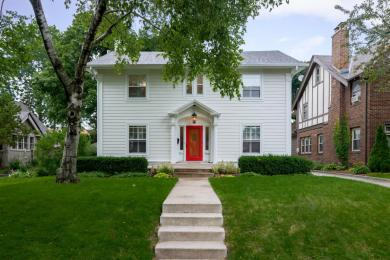 2424 E Beverly Rd, Shorewood, WI 53211