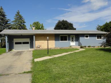 107 Oak Hill Ct, Watertown, WI 53094