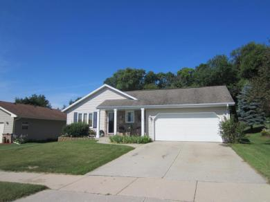 1426 Walsh Acres Dr, West Bend, WI 53095