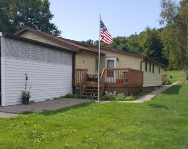 W6599 Casberg Coulee Rd, Holland, WI 54636