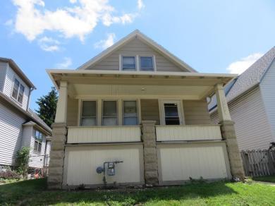 3056 N Pierce St, Milwaukee, WI 53212