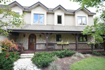 Photo of 5360 S Edinbourgh Dr, New Berlin, WI 53146
