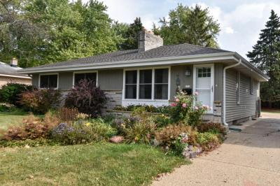 Photo of 5310 Millshire Rd, Greendale, WI 53129