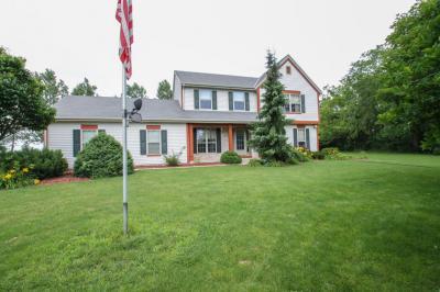 Photo of 5120 W Oakwood Rd, Franklin, WI 53132