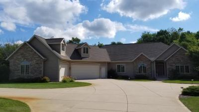 Photo of 794 Ravine Ridge Dr., Richfield, WI 53017