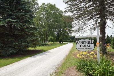 Photo of 2323 East River Rd, Grafton, WI 53024