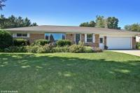 521 Fairview Dr, Hartford, WI 53027