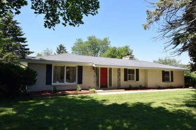 Photo of 6655 N Jean Nicolet Rd, Glendale, WI 53217