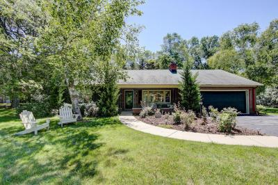 Photo of 1531 W Heather Ln, River Hills, WI 53217