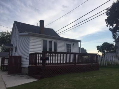 Photo of 1909 Geele Ave, Sheboygan, WI 53083