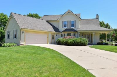 Photo of 12285 W Whitaker Ave, Greenfield, WI 53228