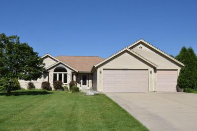 Photo of W227N7253 Woodland Creek Dr, Sussex, WI 53089