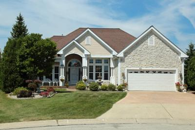 Photo of 8327 S Palomino Ct, Oak Creek, WI 53154