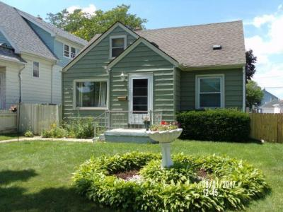 Photo of 1225 S 38th St, West Milwaukee, WI 53215