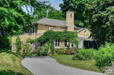 Photo of 1723 Alta Vista Ave, Wauwatosa, WI 53213
