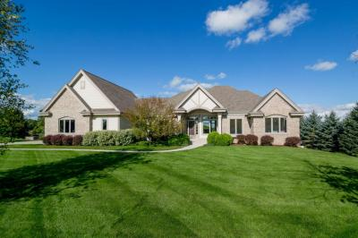 Photo of 5224 Fox Hollow Dr, Richfield, WI 53027