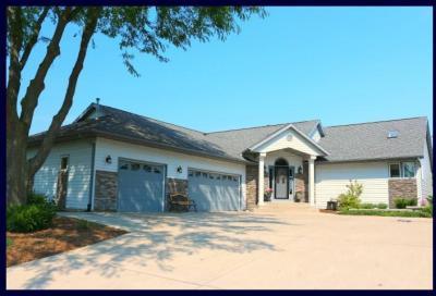 Photo of N6757 Woodfield Ln, Lake Mills, WI 53551