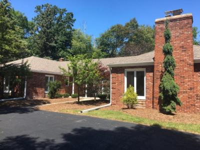 Photo of 9508 N Sequoia Dr, Bayside, WI 53217