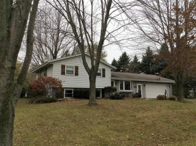Photo of 6817 Hickory Rd, Newburg, WI 53090