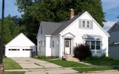 Photo of 105 Bishop Ave, Plymouth, WI 53073