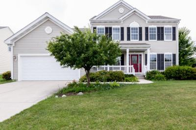 Photo of 634 Riverwood Ln, West Bend, WI 53095