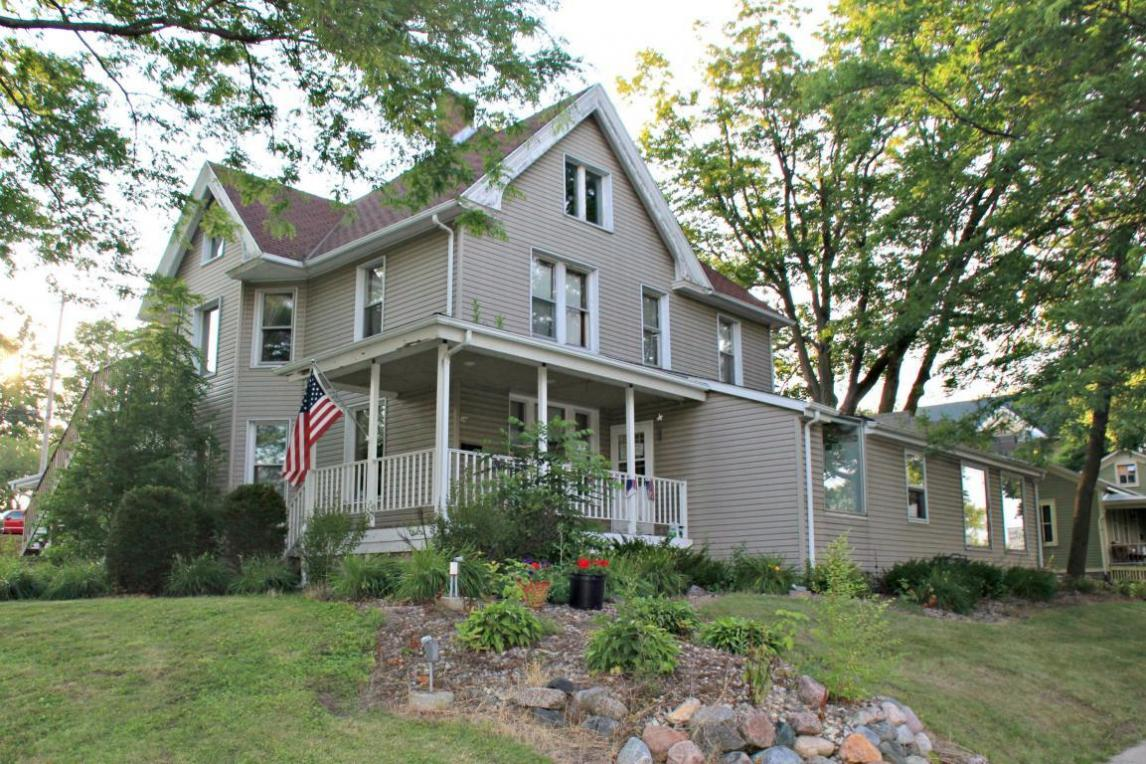 346 S Main St, West Bend, WI 53095