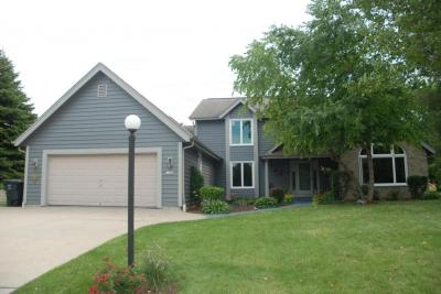 Photo of 11909 W Chapman Ave, Greenfield, WI 53228