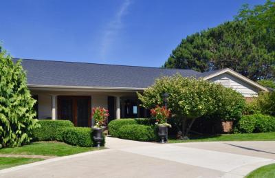 Photo of 620 Oak Tree Rd, Sheboygan, WI 53083