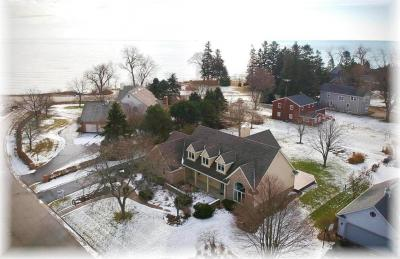 Photo of 103 Lamplighter Ln, Wind Point, WI 53402